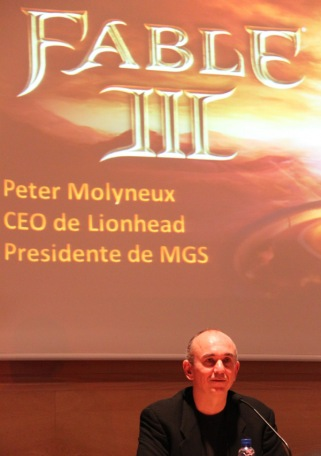 Conferencia de Peter Molyneux presentando Fable III