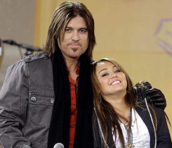 Padre El Padre De Miley Cyrus Admite Desconocer Lo Que Hace Su Hija