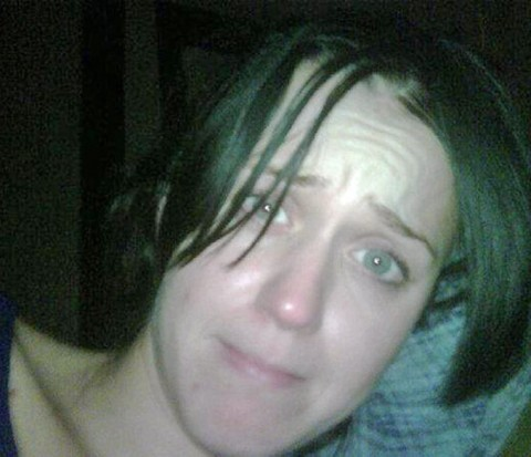 katy perry no make up 00 480x413 Katy Perry irreconocible sin maquillaje