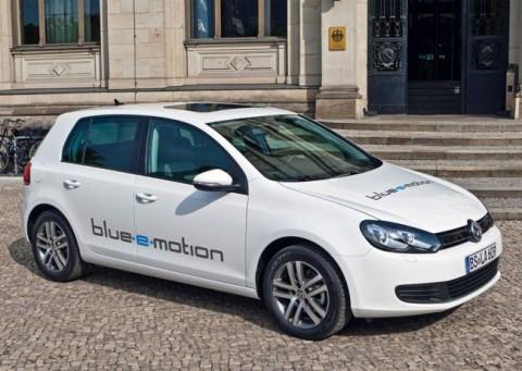 El Volkswagen Golf Blue-e-motion será uno de los protagonistas del Salón de Madrid