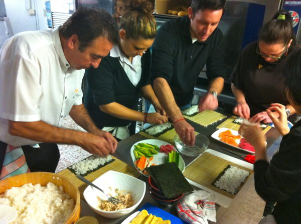 Curso de sushi pepekitchen con ryoko en restaurante playa - Cursos de cocina en malaga ...