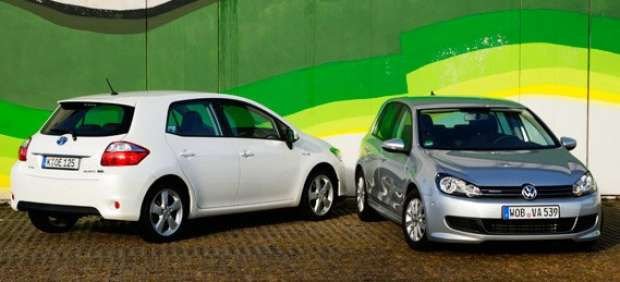 Toyota Auris Hybrid y VW Golf 1.6 TDI Bluemotion