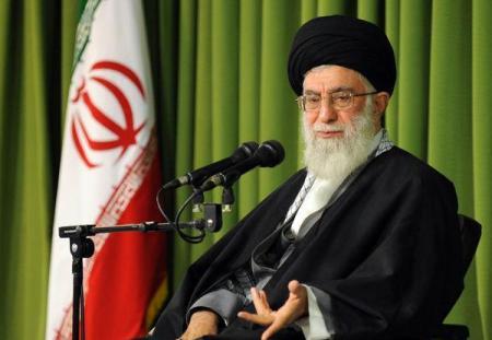 El Líder Supremo: «La crítica no es perjudicial, pero debe ser justa y aportar soluciones»