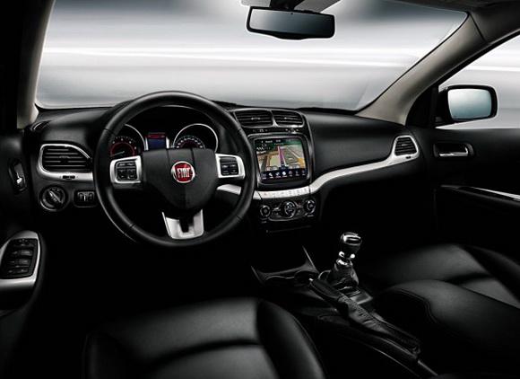 fiat freemont interior. Fiat Freemont interior pics 01