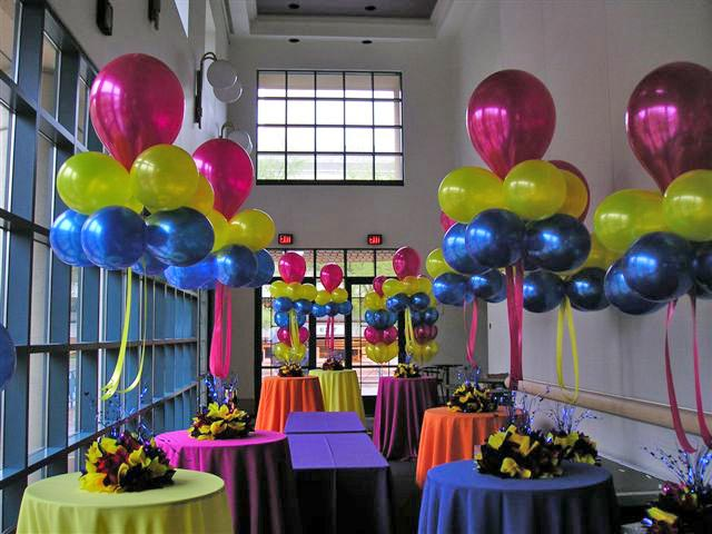 Sweet 16 Balloon Centerpieces