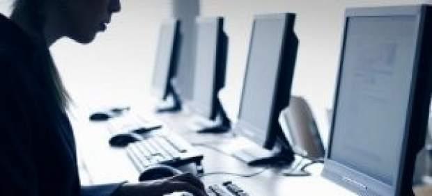 http://globedia.com/imagenes/noticias/2011/5/3/redes-publicas-centros-acceso-internet-generado-800-empleos-anos_1_695697.jpg