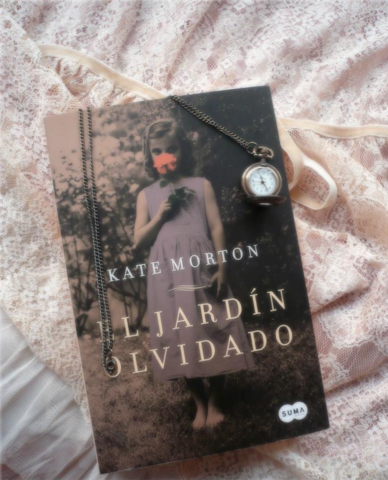 El jard n olvidado de kate morton for Libro jardin olvidado