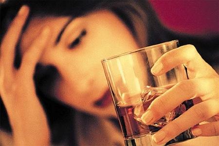 La dirección de la codificación del alcohol el túmulo