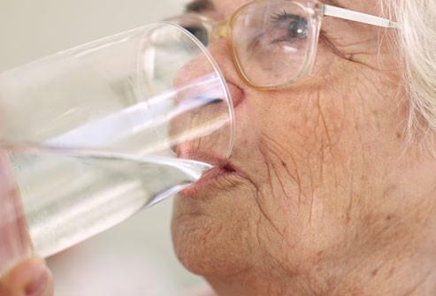cuales son las causas del acido urico que pescado comer para el acido urico que puedo hacer para la gota