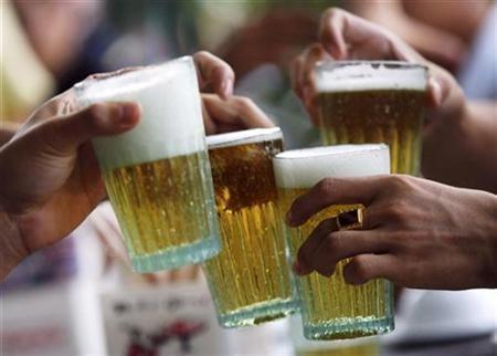 El alcohol la dependencia los síndromes