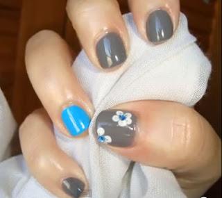 de los dos diseños para uñas cortas las puedes hacer parte de tu