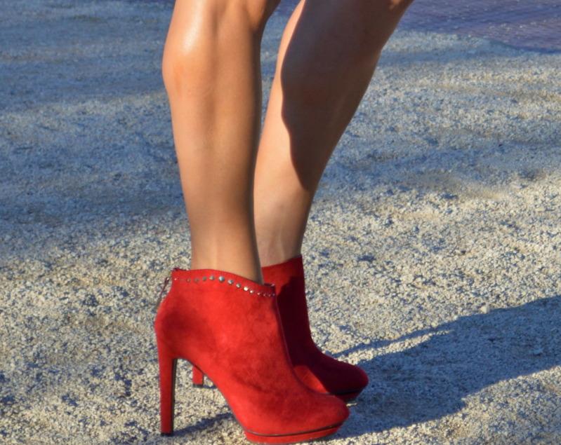 mejor sitio web 0a3dc 67c3b lookbook Maxi Negro Octubre Rojos Botines Chaleco Zara x68qv6U
