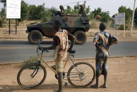 ... violaciones de los derechos humanos cometidos por soldados malienses