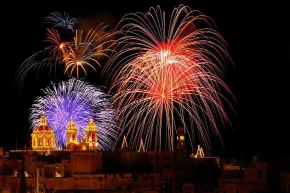 Malta El Festival De Fuegos Artificiales