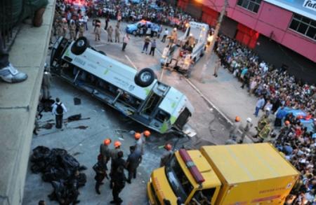 Al menos siete muertos en accidente de autobús en Brasil