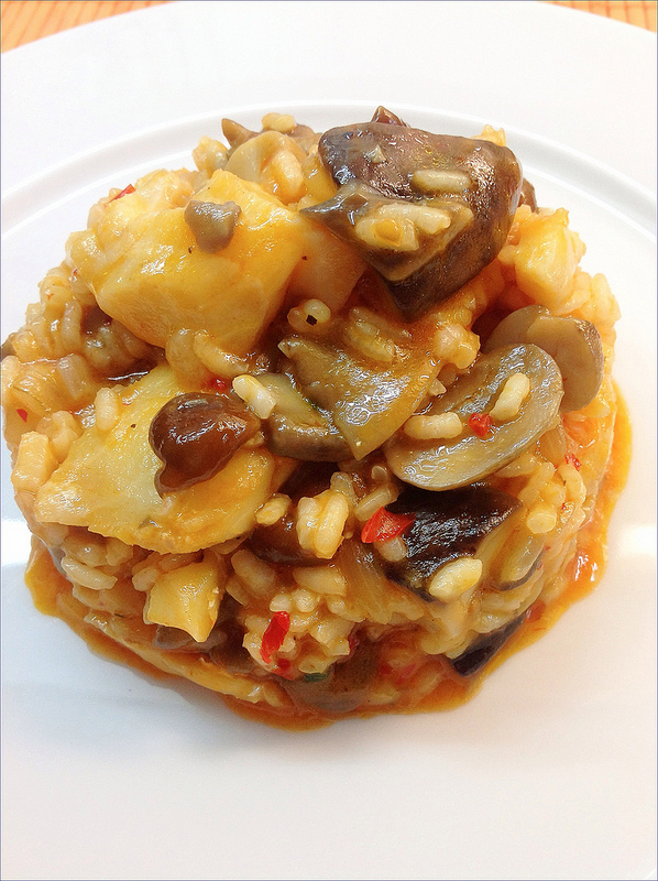 Arroz con bacalao y setas for Cocinar cocochas de bacalao