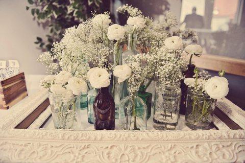 Nos encantan las ideas originales para dar ese toque de estilo vintage como; guirnaldas de flores o letras, jaulas decorativas como centros de mesa o