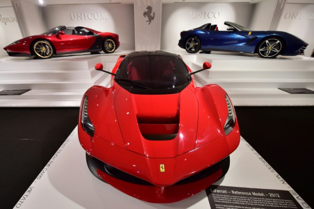 Primera Carrera De Ferrari En La Bolsa De Nueva York