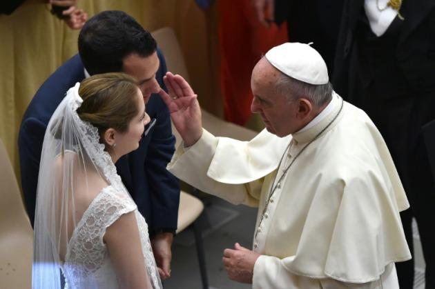 Matrimonio Catolico En Colombia Normatividad : El papa simplifica y hace gratuita la anulación del matrimonio