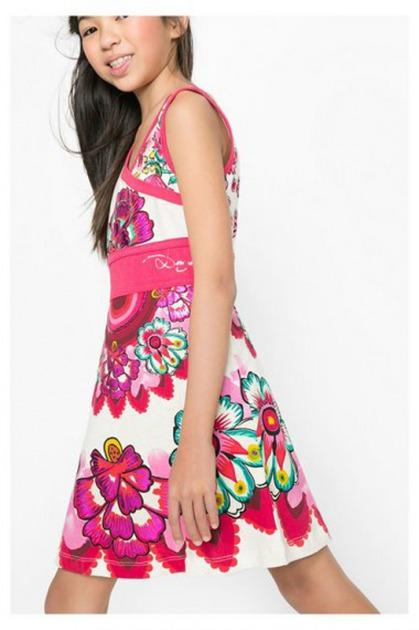 9adf5f6cd Los vestidos de Desigual tienen un tejido liviano y fresco