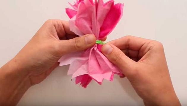 Como hacer flores de papel paso a paso - Www como hacer flores com ...