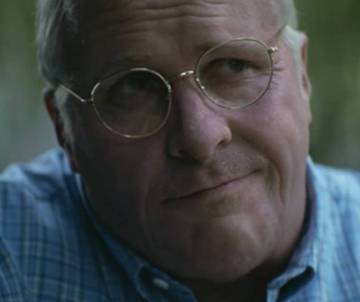 El actor caracterizado de Dick Cheney en una escena de 'Vice'.