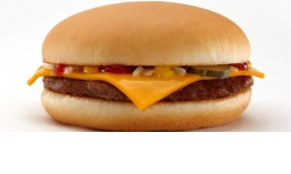 McDonald's quita la hamburguesa con queso y el batido de chocolate del Happy Meal